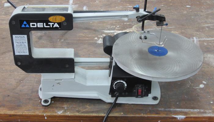 Scie chantourner delta 40 530